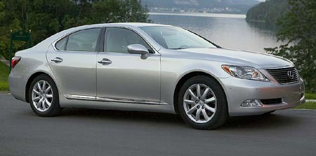 2007-lexus-ls460-breakthrou.jpg